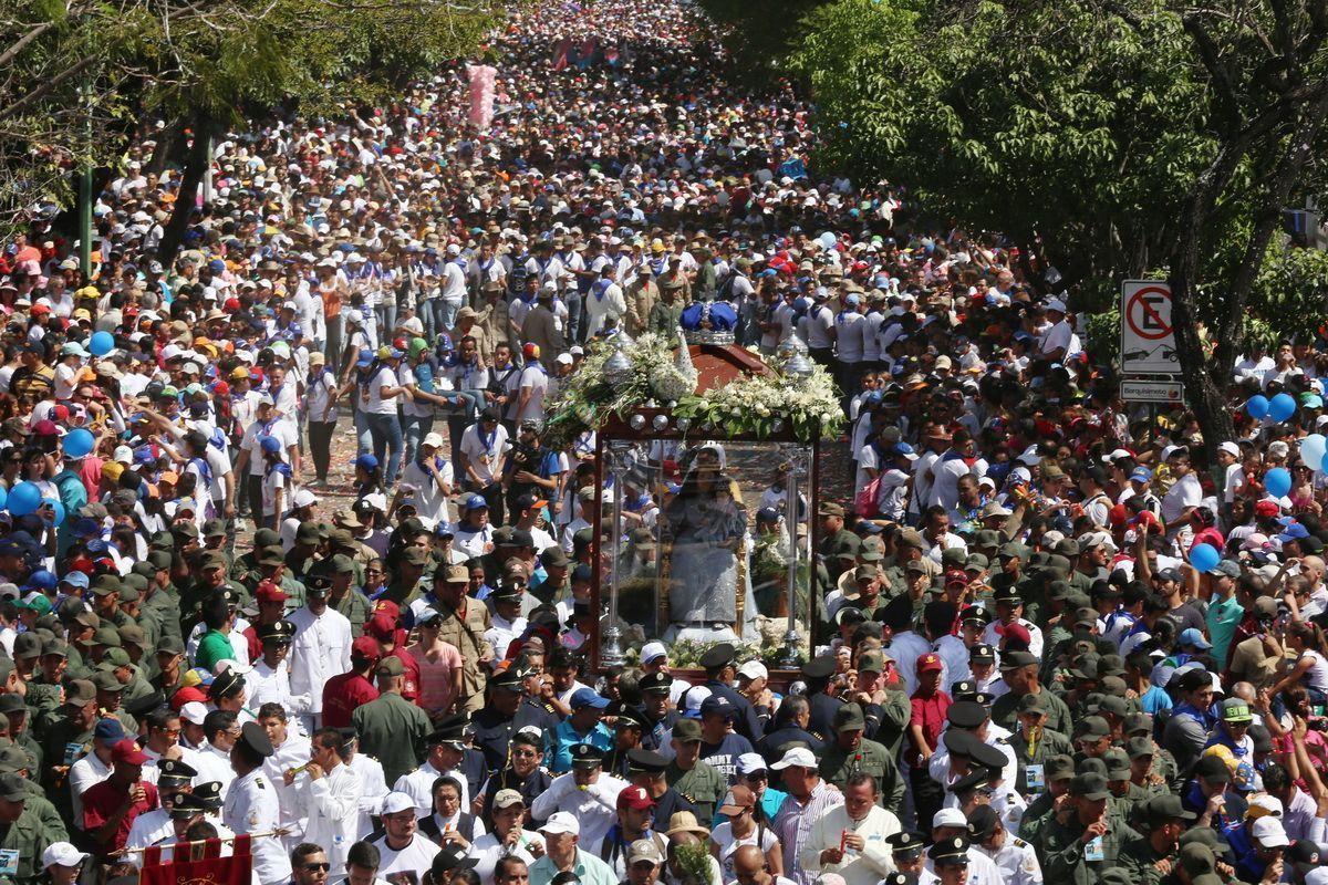 La Divina Pastora tiene la procesión religiosa más multitudinaria del país