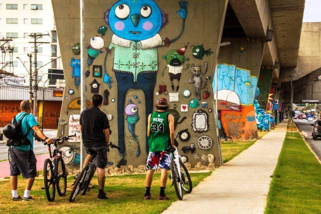 El grafiti reina en las calles de Sao Paulo
