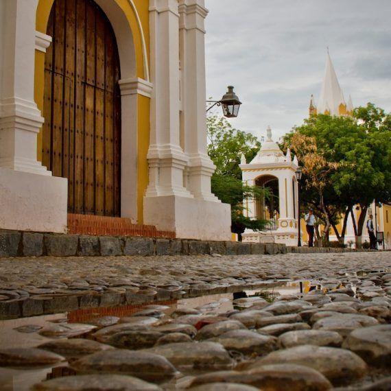 Tres diferentes íconos de tres ciudades venezolanas