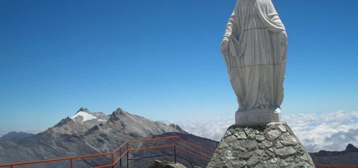 La Virgen de las Nieves reina en las alturas