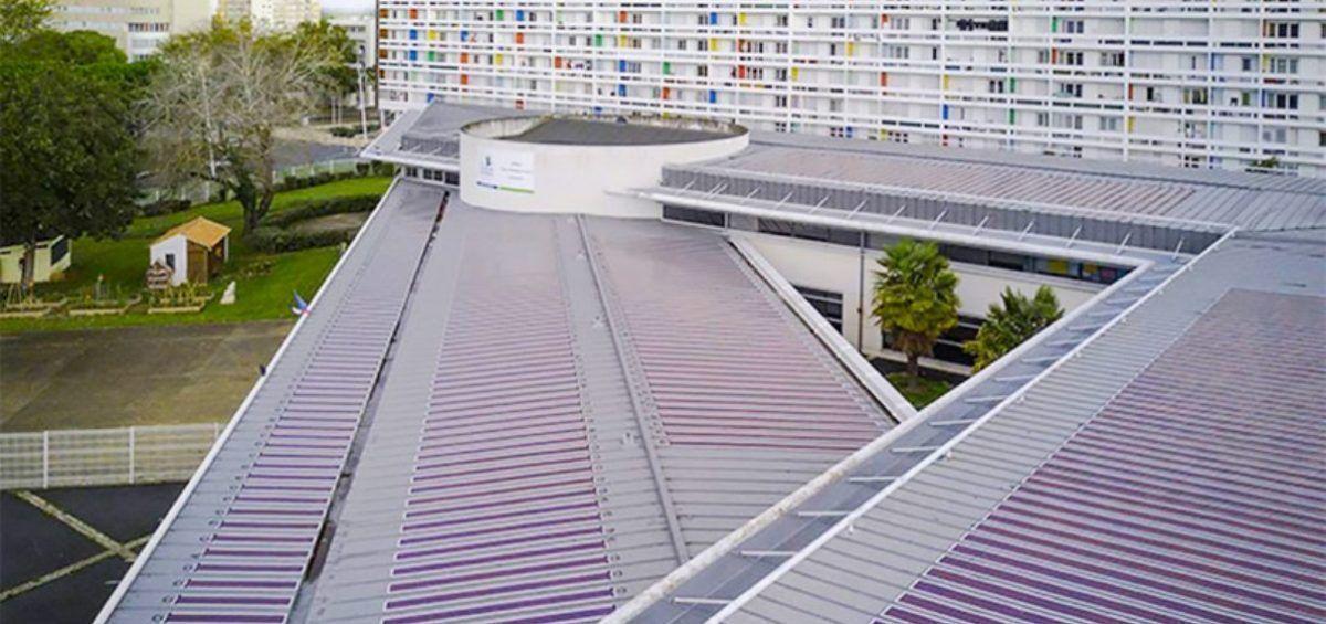 El techo fotovoltaico más grande del mundo da energía a una escuela