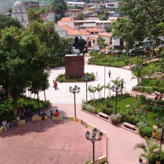 Plaza Bolívar emblema de la ciudad venezolana