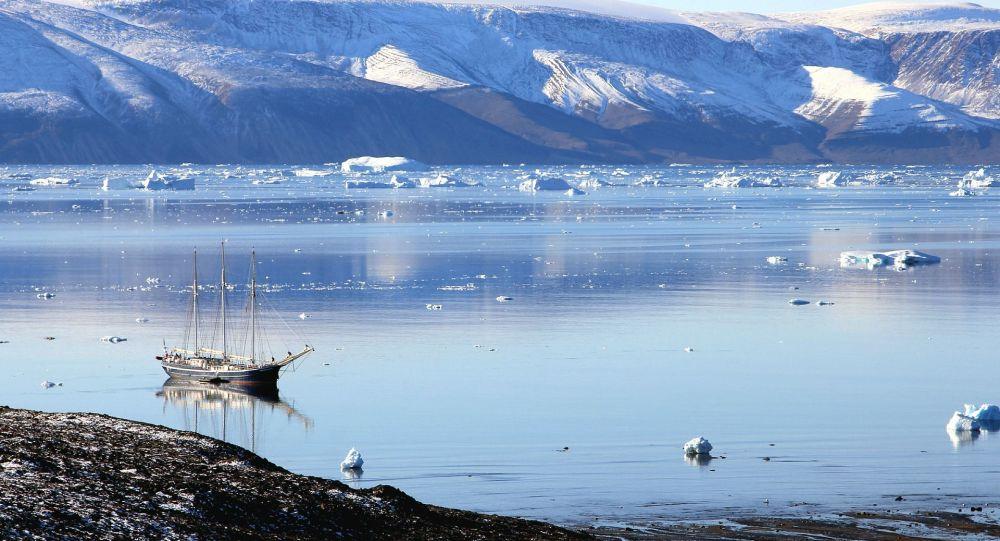 Descubren la cuenca de un gigantesco lago sepultado bajo Groenlandia