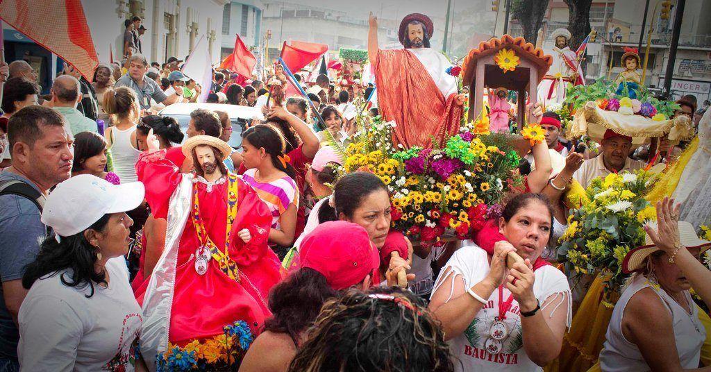 En Venezuela San Juan celebra con tambores